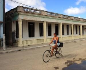 Na kole napříč ostrovem svobody
