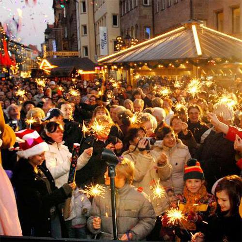 V Norimberku začínají největší vánoční trhy