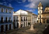 Salvador de Bahía - město barev. Platí to i o domech (foto: Braziltour)