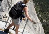 Údolí Yosemite. Pohled z vrcholu Half Dome (foto: autor)
