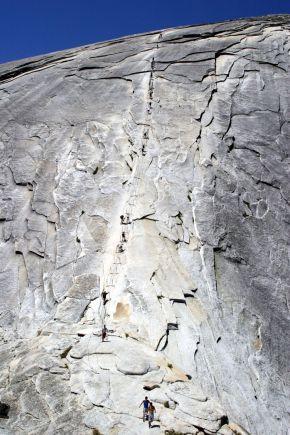 Yosemite - Half Dome - celkový pohled